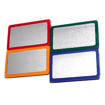 Pinnwandmagnet mit silberfarbener Fläche, 4 Farben wählbar